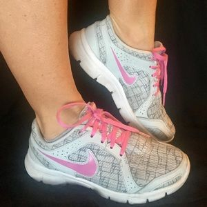Nike Flex Experience Run 2 Women Running Shoe 6.5